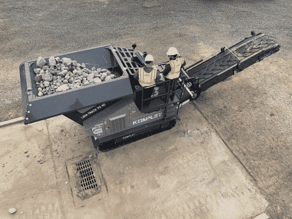 komplet-lt-7040-jaw-crusher-overhead-view-of-inlet-opening-1