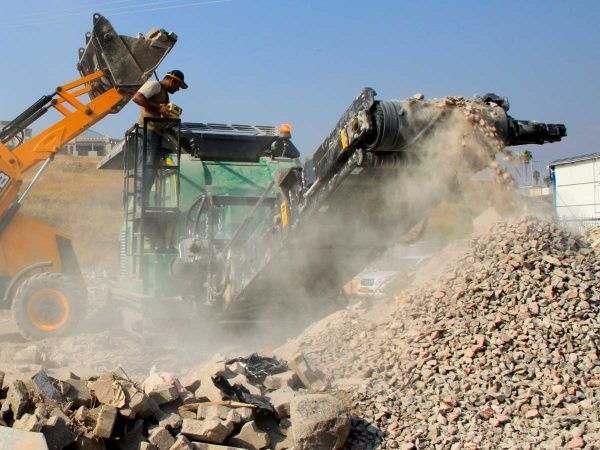 Jaw Crusher Crushing Rock