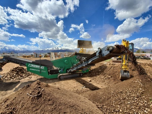 Komplet compact concrete crushers and screens