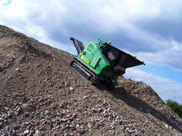 komplet-lt-4825-compact-jaw-crusher-maneuverablilty-komplet-north-america