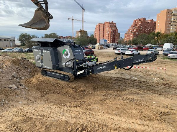 komplet-kjc704-jaw-crusher-in-italy-komplet-north-america