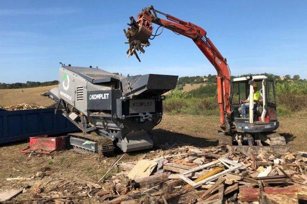 komplet-krokodile-shredder-shredding-wood-komplet-demo-park-komplet-north-america