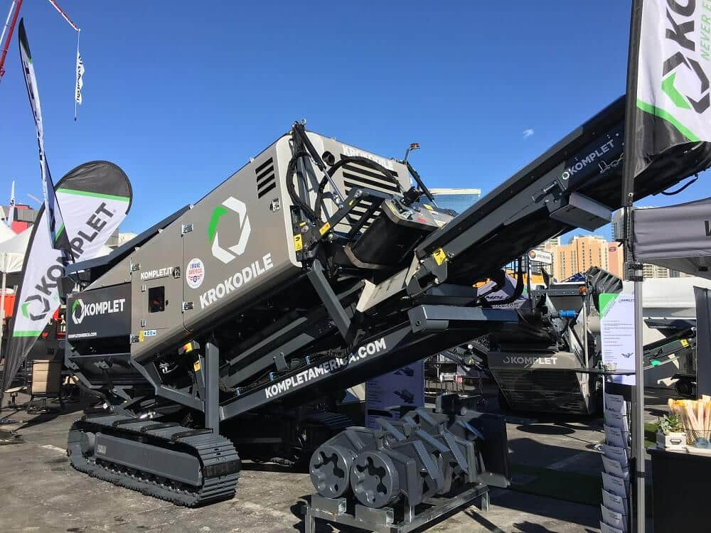 krokodile-shredder-at-conexpoconagg-komplet-north-america