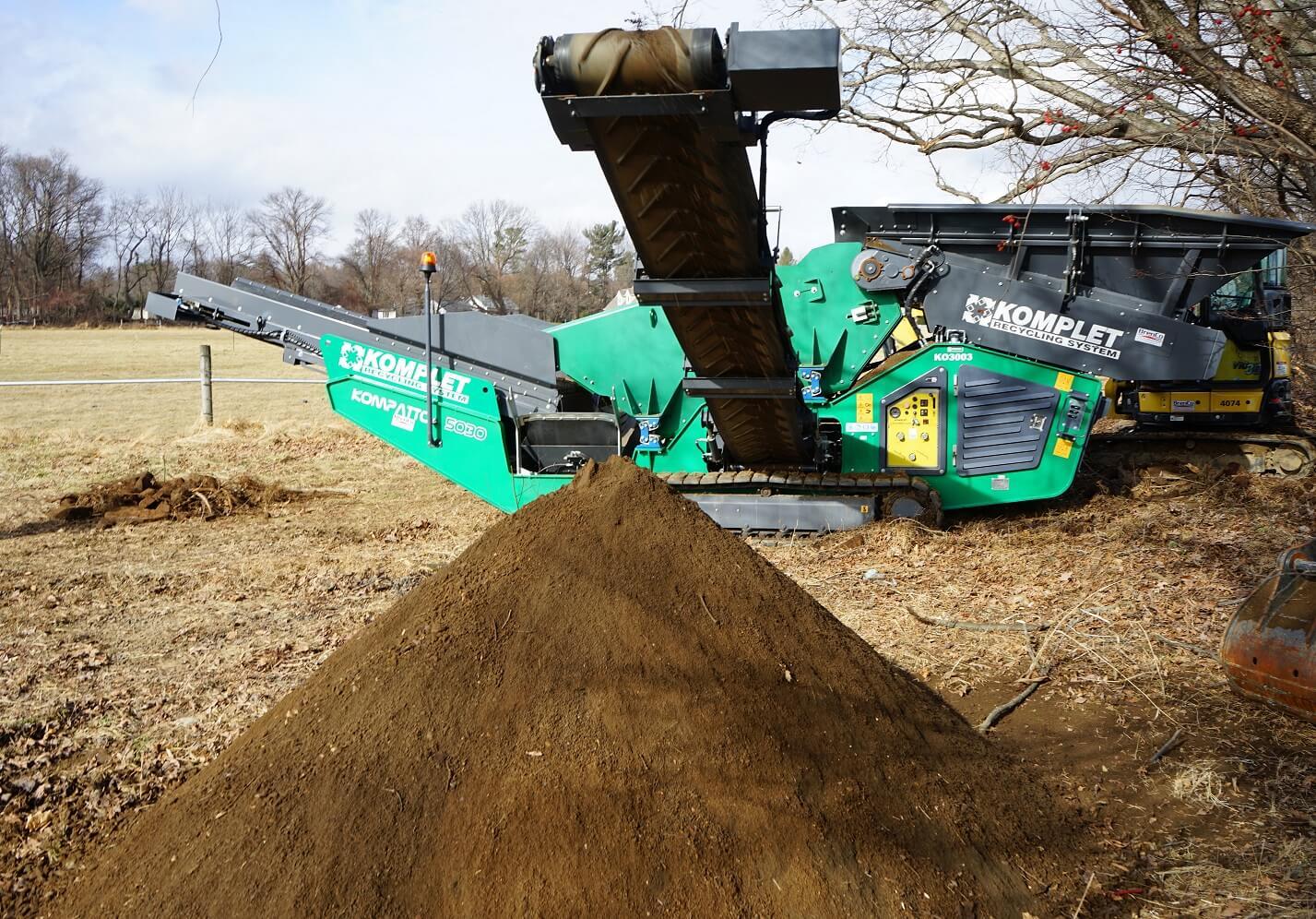 komplet-kompatto-5030-mobile-compact-screener-processing-topsoil-komplet-north-america