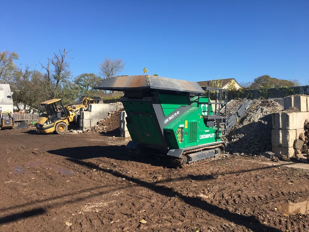 komplet-lt-7040-jaw-crusher-crushing-concrete-with-rebar-to-re-use-komplet-north-america