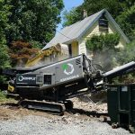 krokodile-shredder-processing-demolition-waste-from-gutted-house-komplet-north-america