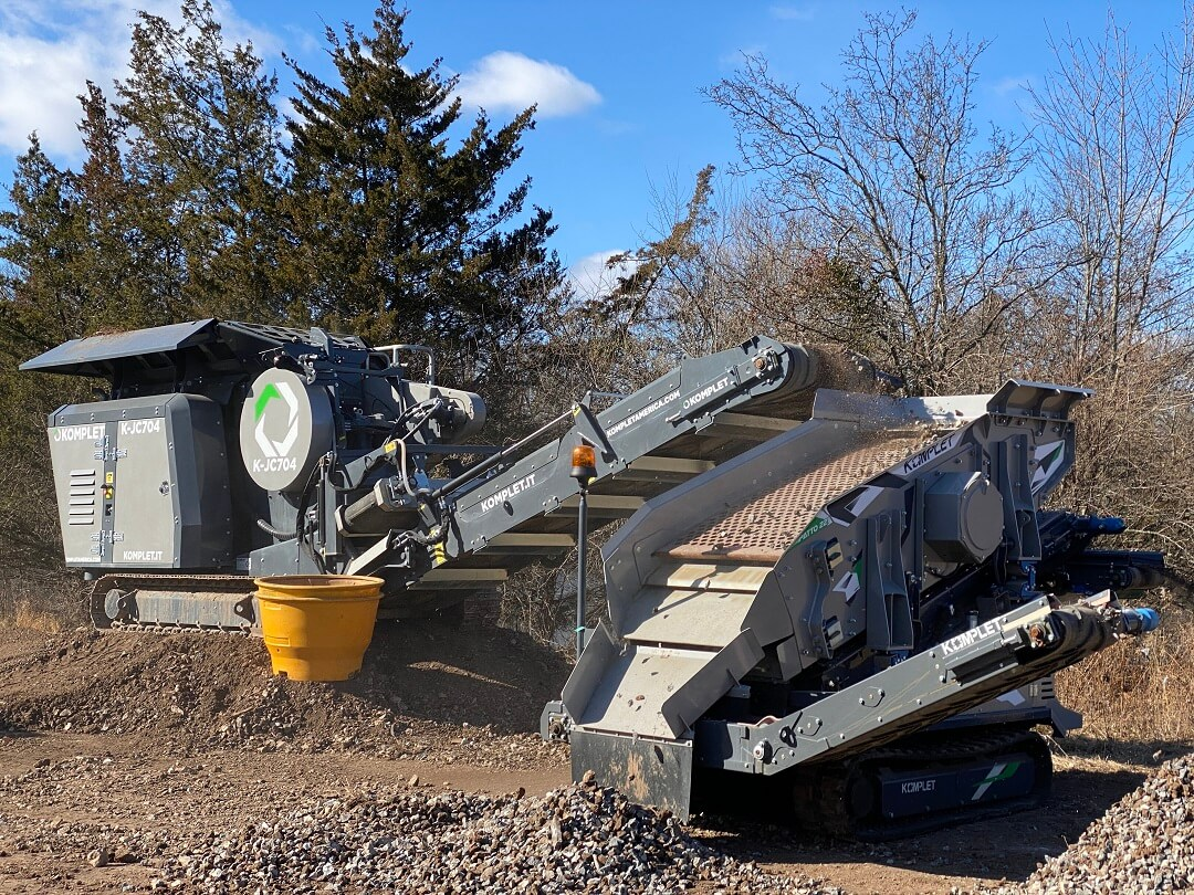 k-jc704-crusher-kompatto-221-screener-combined-to-process-concrete-and-asphalt