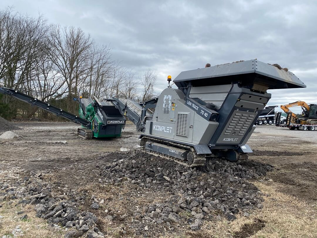 Small Concrete Crusher & Mobile Rock Screener Combined To Process Multiple End Products