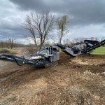 Mobile Screener & Crusher Machine Processing Bedrock & Excavated Soil